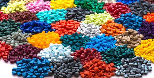 مستربچ رنگی، یکی افزودنی های محبوب در تولید قطعات پلاستیکی رنگی است.