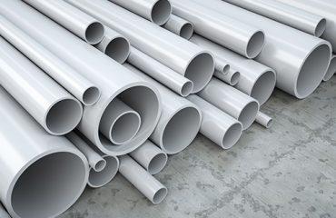پیویسی نوعی پلاستیک بسیار پرکاربرد است که در شرایط حاضر یکی از پر مصرفترین و ارزشمندترین محصولات صنعت پتروشیمی است.بیش از 60 درصد پیویسی ساخته شده، در صنعت ساختمان سازی استفاده شود. زیرا این مادهی ارزان قیمت، ابزار مناسبی برای عایق گرما وسرما بوده و به راحتی سرهم بندی میشود