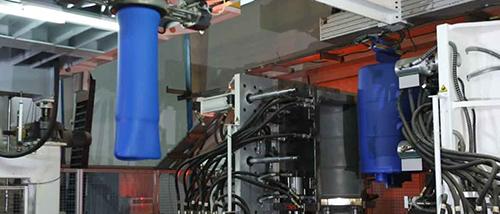فرآیند تزریق بادی یکی از فرآیند های پرکاربرد در تولید پلیمر است که نمونه ای از تولیدی این فرآیند را مشاهده میکنید