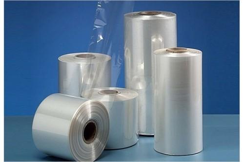 فیلم LDPE، از پلی اتیلن با چگالی کم در فشار زیاد تولید میشود. این فیلمها توسط فرآیند قالب گیری بادی (دمشی) از پلی اتیلن با چگالی کم و یا مخلوط پلی اتیلن با سایر مواد افزودنی تولید میشوند. LDPE در برابر نفوذ اکسیژن و رطوبت مقاومت قابل قبولی دارد